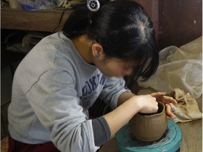 【Kagawa Prefecture · Ceramic art experience】 The pleasure that my sensibility becomes a form! Picture of the first experience of ceramics with hand rails in Higashikagawa city