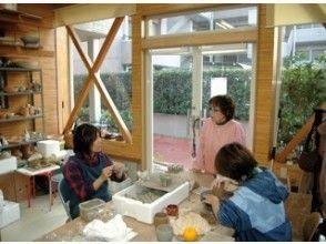 【埼玉・陶芸体験】粘土遊び感覚で楽しく作ろう!手びねり体験の画像