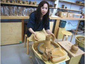 【沖縄県・泡盛壷作り】沖縄伝統のやちむん(焼き物)!泡盛壷作り体験の画像