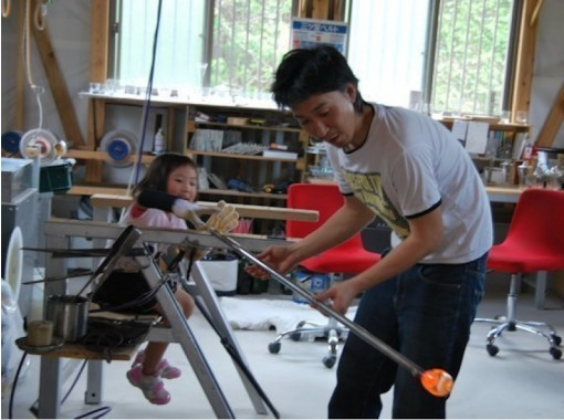 【鹿児島・吹きガラス体験】グラス作りの基本!短時間で吹きガラス体験
