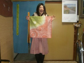【Kyoto · handkerchief dyeing experience】 Easy dyeing experience! Image of handkerchief made with Kyo Kanoko drawing technique