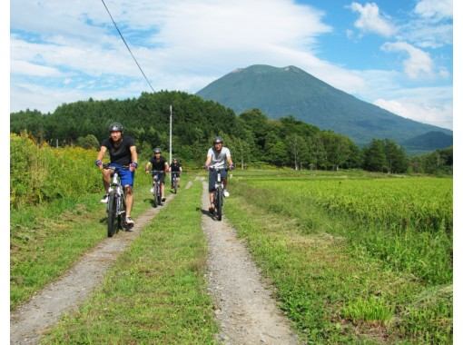 Cycle ride exhilaratingly with the guide of the city of Niseko!の紹介画像