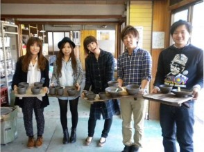 【Shiga prefecture · Shigaru Electric Robot Experience】 Let's make a bowl and a cup using electric powered wheel (about 60 minutes)