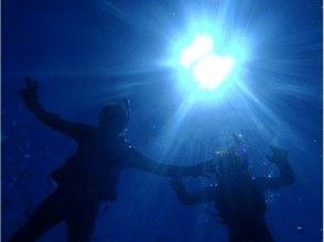 ☆海を満喫セットプラン☆青の洞窟シュノーケリング&クマノミ体験ダイビング 魚の餌付け&写真撮影付き