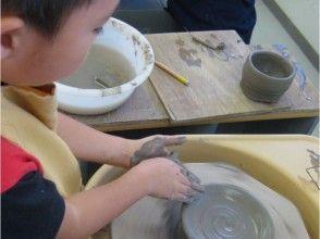 【大阪・舞洲】陶芸家気分で本格的に陶芸をしよう!電動ろくろ体験の画像