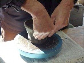 【神奈川・葉山】緑に囲まれた工房でゆったり陶芸体験!「手びねり」1日陶芸コースの画像