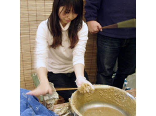 【兵庫・神戸】レトロな魅力の「オリジナル和ろうそく作り&絵付け」を体験!