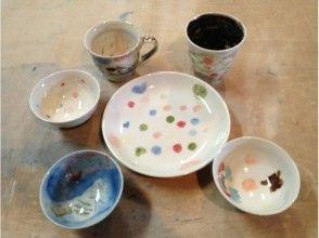 【福岡県・陶芸体験】磁器に好きな絵を描く絵付けを体験しようの画像