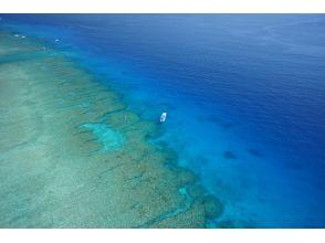 【沖縄・水納島】わくわくボートシュノーケリング&バーベキューコースの画像