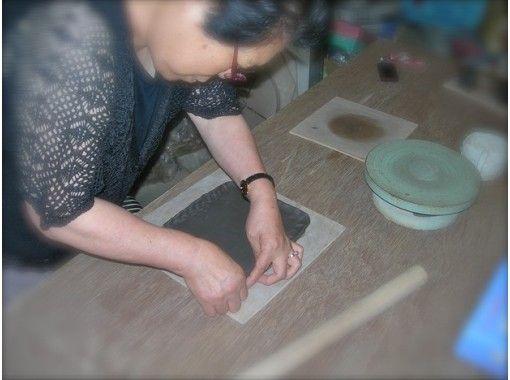 【山形・天童市】お皿に絵を描いて絵つけをしてみよう★絵付け体験