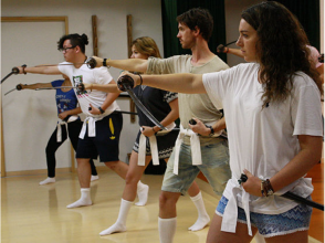 【Kyoto · Higashiyama】 Aiming swordsmaster master! Sword dance 2 hour experience course · costume rental included