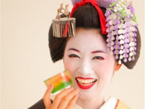 【京都・東山区】スタジオプラン6,372円(税込)、舞妓になりきって本格的なスタジオで撮影!の画像