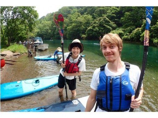 【北海道・SUP】透明度の高い支笏湖の湖面をクルージング!SUP体験(半日コース)SIJ公認スクールの紹介画像