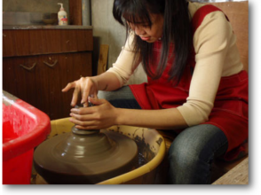 【北海道・陶芸体験】手びねりとろくろ、それぞれの手法で1点ずつ作陶できるお得なプラン!の画像