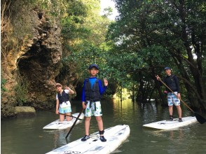 [Okinawa ・ Ishigaki island] Private room ☆ With commemorative photo ☆ Sense of standing on the water! Experience SUP (120 minutes course)