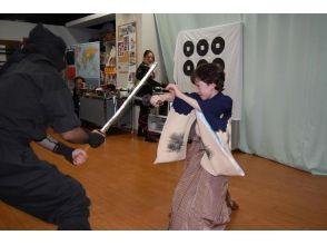 [โอซาก้าเมืองโอซาก้า] ประสบการณ์การต่อสู้ก็กลายเป็นซามูไรนินจา! เช่นเดียวกับภาพยนตร์และละครนักแสดงอารมณ์ของภาพ