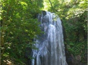【福島・裏磐梯】トレイルウォーキング(小野川不動滝、五色沼、紅葉の中津川渓谷)の画像