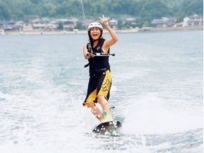 [Fukuoka Itoshima] First Press Limited! Wakeboard experience course [2 (40 to 50 minutes)]