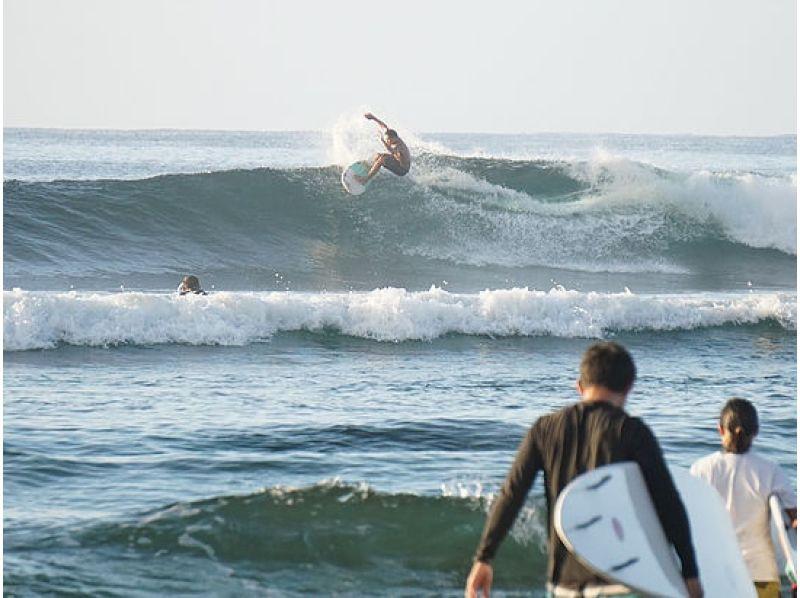 【沖縄・南部】サーフィン中級コースで、サーフィンの技の幅を広げようの紹介画像