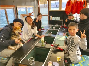 【山梨・山中湖】ドーム船(8名様まで)三国丸を貸切!手ぶらで参加わかさぎ釣り体験!