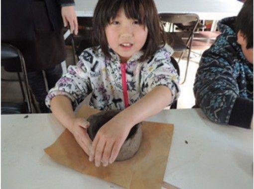 【栃木・益子】手びねりで作る世界で一つのオリジナルの器「益子焼の陶芸体験」団体様も歓迎!