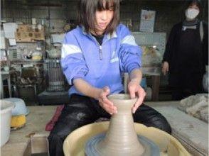 【栃木・益子】電動ろくろで陶芸家気分を満喫!ゆったり120分で益子焼の陶芸体験~団体様も歓迎