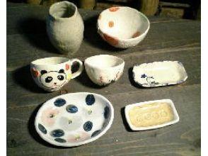 【東京・調布】緑豊かな深大寺窯で陶芸体験!粘土から作る[手びねりコース 色釉/絵付け]の画像