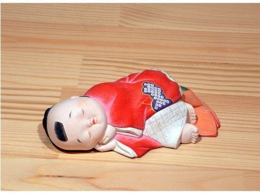 【福岡/福岡市(博多・天神)・太宰府】やわらかい線が特徴の博多人形に、絵付けをしてみませんか?