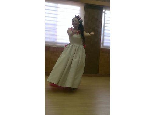 【奈良・奈良市】ハワイの風を感じながら楽しくフラダンス![中級クラス体験コース]
