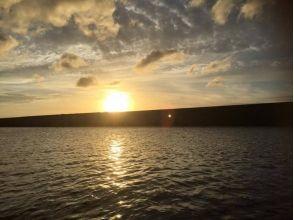 【沖縄/沖縄市(コザ)・北谷・宜野湾】サンセットクルージングで、ロマンチックな時間をの画像