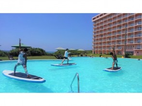[Okinawa Miyakojima] beginners OK. You can feel free to experience in the pool image of [SUP yoga]
