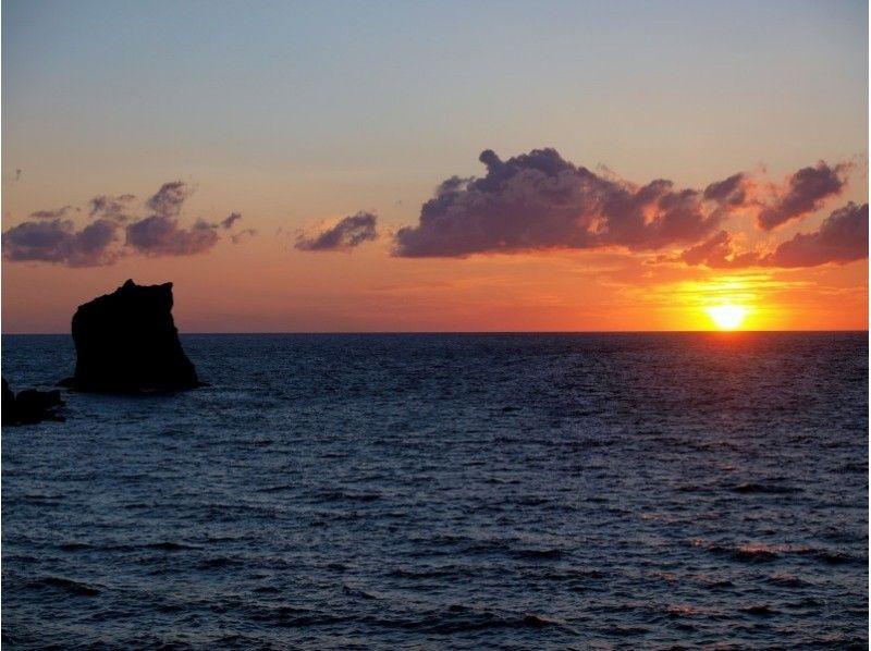 【北海道・礼文島】海岸でメノウ拾いも 夕焼け小焼けコースガイドの紹介画像