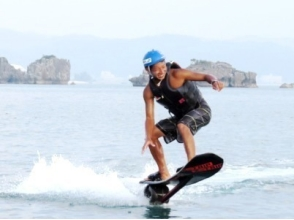 的漂浮滑板體驗[沖繩和北方地區/名護/總部/瀨底島]和衝擊海洋Pack 3的圖像