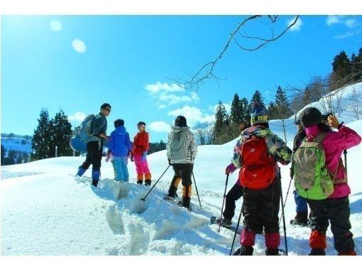"[Niigata- Tokamachi]Snowshoes Pratt snow hiking the heavy snowfall ""Tokamachi"" in! Tea time with Hot spring(half-day)の紹介画像"