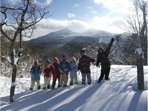 [Fukushima Urabandai] Guided beginners with a safe Snowshoes half-day experience course! Children can also enjoy! (a.m)