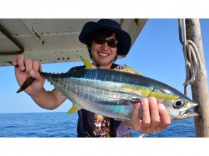 【Okinawa · Churaumi】 OK by hand ♪ Tuna fishing tour! The fish you caught can be eaten at the harbor ☆ Image with bonus