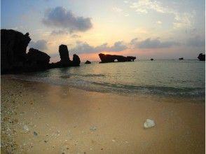 【沖縄/本部・名護・国頭】ナイトプランだから到着日の参加も可能! 小洞窟探検&ナイトシュノーケリング
