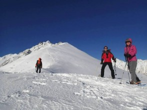 [滋賀·琵琶湖]適合初學者!雪森林療法雪上徒步(用石爐手工披薩午餐)