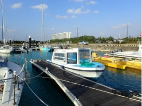 【Okinawa · Glass boat】 Let's go to see Itoman's coral with a glass boat! Image of