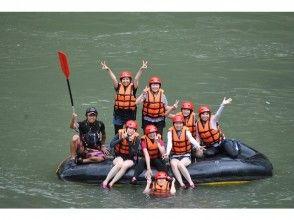 【熊本・球磨川】日本三大急流の一つ!球磨川でラフティング体験(BBQ付き:1日コース)の画像