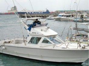 【沖縄・宮古島】ボートで行く!お気軽五目釣りツアーの画像
