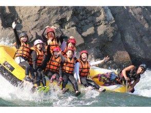 【熊本・球磨川】日本三大急流の一つ!球磨川でラフティング体験(AMコース)の画像