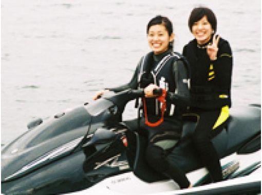 【山梨・山中湖】夏の山中湖で「風になれ!」マリンジェット体験!