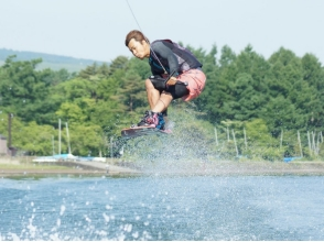 [山梨-Lake Yamanaka]擁有富士山背景的雜技演員!花式滑水板學校課程