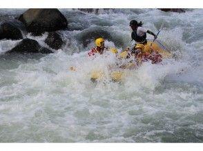[ Hokkaido Furano] ☆ Sun torrent ☆-Mukawa of this TOP class Rafting !