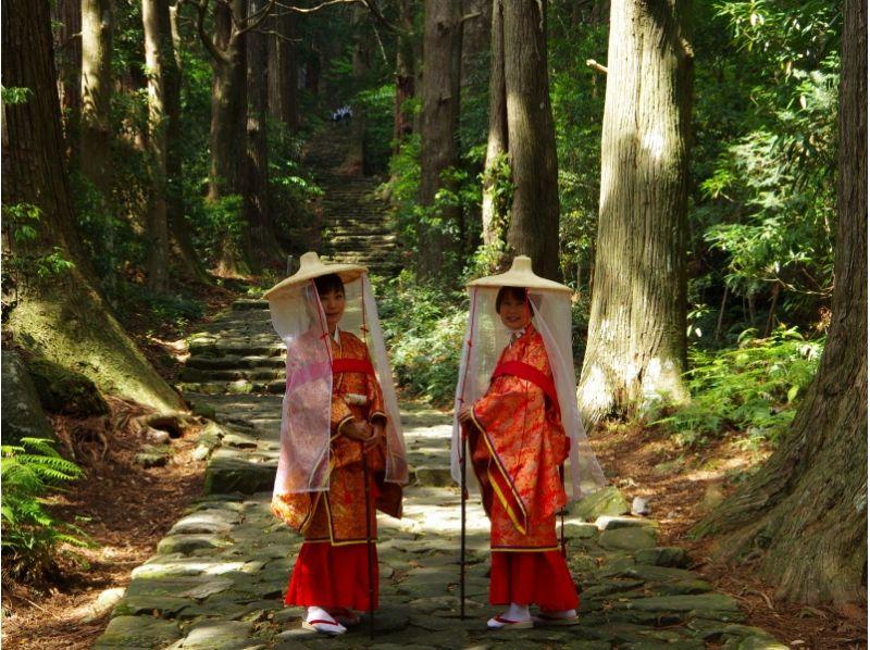"""[和歌山/胜浦市]和服租借还提供儿童"""" 2小时徒步旅行计划"""",让孩子们在平安时代的服饰下享受世界遗产!の紹介画像"""