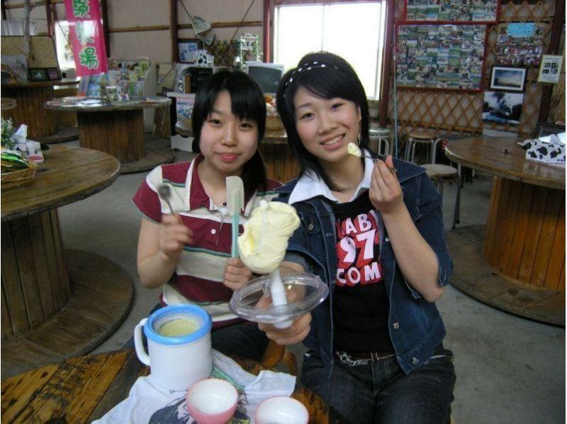 的介紹圖像[北海道摩週附近]中建議的雨★擠奶,黃油,冰淇淋製造過程(約40分鐘)