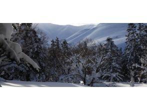 【北海道・利尻島】利尻自然ガイドサービス・利尻山スノーシュー「1日」体験プラン・ランチ付の画像
