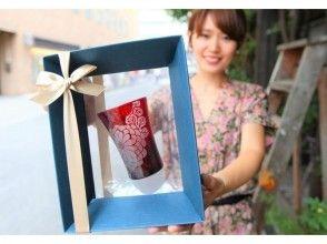 【大阪阪急梅田駅5分 色グラスギフト】センスも光るキラキラグラスのプレゼント☆サンドブラストガラスの画像