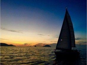 【Fukuoka / Fukuoka City · Yacht · Cruising】 Weekdays only! Hakata Bay sunset cruising plan